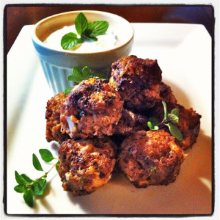 Greek-Style Meatballs w/Cucumber-Yogurt Dip