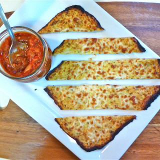 "Cheesy Cauliflower ""Flatbread"" w/Tomato-Herb Dipping Sauce (Gluten-free)"