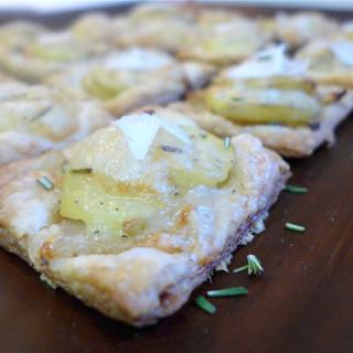 Mini Potato Tarts w/Gruyere, Rosemary, & Caramelized Onions