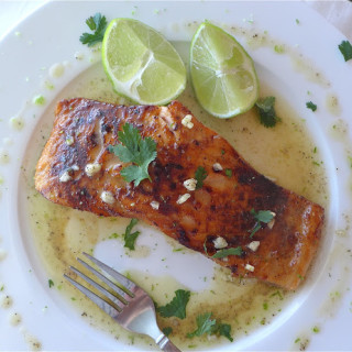 Honey-Glazed Salmon w/Garlic-Lime Sauce