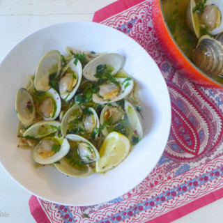 Steamed Clams in White Wine, Ghee, & Garlic Sauce {Served w/Optional Homemade Pasta}
