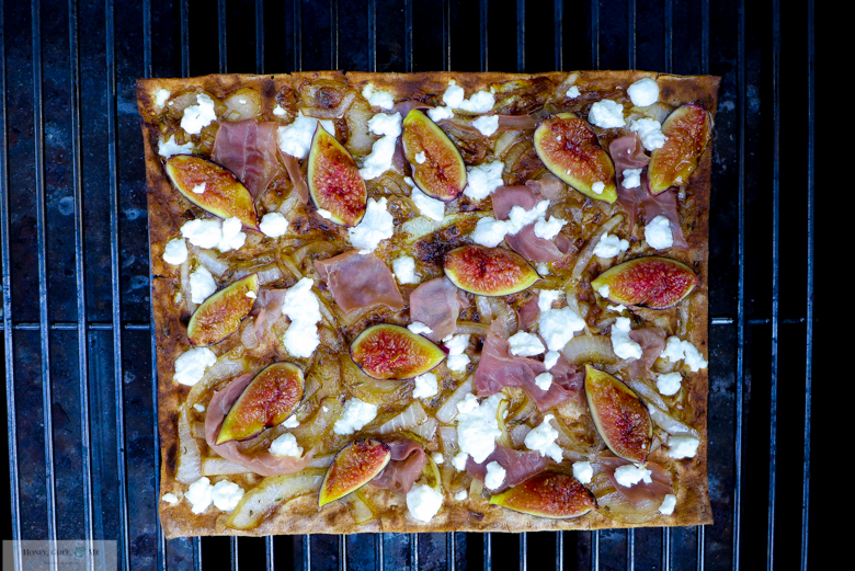 fig prosciutto goat cheese pizza flatbread-38